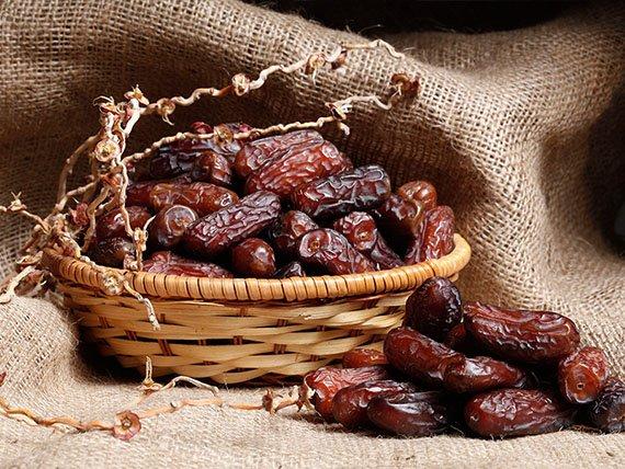 Buying Piarom Dates